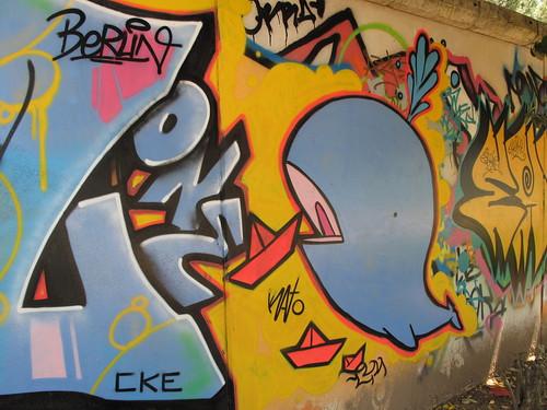 Graffiti down by the river in Sevilla