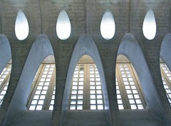 Tears from above (Desideria) Tags: from above light luz station architecture underground concrete licht tears upsidedown zurich bahnhof architektur zrich santiagocalatrava beton untergrund zri stadelhofen