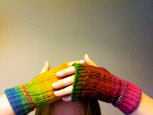 Crazy/cool cable fingerless mitts!!