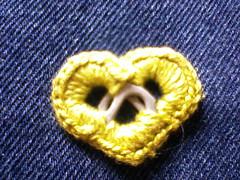 Coração de lacres (FUXICOS DA GLÁUCIA) Tags: rrr reciclagem croche crochê lacres reutilizaçãodemateriais rtesanatocomlacres coraçãocrochet