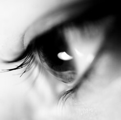 Rimmel (Stefano Mazzoni) Tags: light bw woman white black macro eye closeup donna eyes nikon bn explore upclose bianco nero occhio luce d300 rimmel blackwhitephotos lucedeimieiocchi esplora lightofmyeyes stefanomazzoni concordians nikond300 afsmicronikkor60mmf28ged stefano485