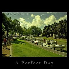 A Perfect Day (m@®©ãǿ►ðȅtǭǹȁðǿr◄©) Tags: france frança aude francia carcassonne canaldumidi languedocroussillon carcasona aperfectday canonefs1855mmf3556 canoneos400ddigital m®©ãǿ►ðȅtǭǹȁðǿr◄© marcovianna