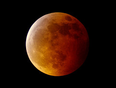The red side of the moon (Robyn Hooz) Tags: moon eclipse luna total rossa ineffable totale eclisse