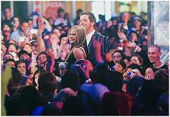 (lavigneanos) Tags: pink girls red people music newyork canada black hot 2004 wearing rock mobile stone portraits photography clothing girlfriend caps colorphotography performingarts longhair hats canadian vermelho shirts blond idol backwards teenager americans northamericans prominentpersons prints blender celebrities whites posture females tshirts canadians rolling baseballcaps rockandroll statia blackstar transferprints complicated avrillavigne headgear letgo screenprints studioportraits casualclothing halflengthportraits halflengthstud