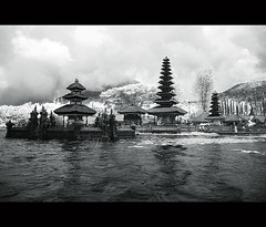 Peace on Bedugul (yoga - photowork) Tags: bw bali lake canon indonesia landscape ir photography 350d infrared 1022mm