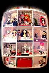 house (jenink ... it's all a bit much) Tags: vintage dolls dal wip pullip blythe custom rement dollhouse sbl bl ebl rbl taeyang