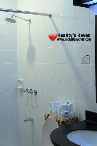 microtel washroom