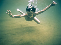 Underwater portrait (javiy) Tags: winter boy sea portrait motion beach face speed cool movement sand bath bravo underwater image action nirvana picture bubbles selection playa canarias images movimiento stop cover tenerife getty ph islascanarias sanandres  teresitas   submarinas sd870  wpdc17 epiceditsselection 19c  maecasinillo