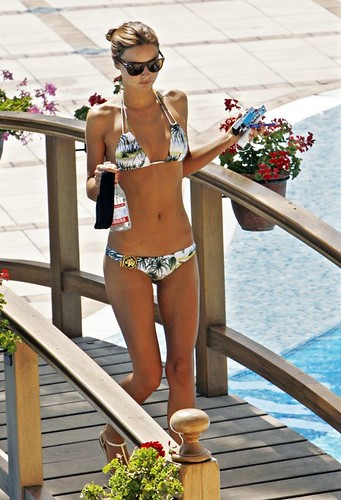 Miranda Kerr bikini photo
