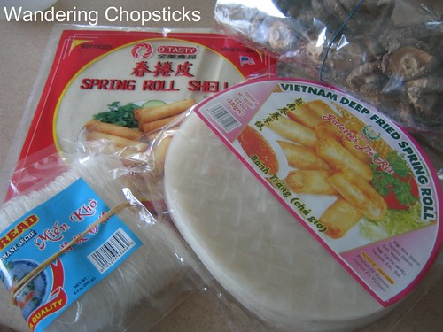 Cha Gio (Vietnamese Egg Rolls) 4