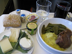 Air France Business Class / Flight 084 () Tags: vacation cheese plane airplane bread lunch fly inflight wine cab aircraft flight jet aerial 3a queso bacchus vin boeing brie redwine inflightmeal tablesetting placesetting fromage kse airplanefood aereo 747 ost airliner avion frenchbread vino airfrance wein b747 foodie 1933 747400 businessclass cabernetsauvignon cabernet cabernetfranc kaas  areo 084 caws insidetheplane   worldbusinessclass skyteam  cabininterior lespaceaffaires seat3a interiorcabin lefromage inthecabin