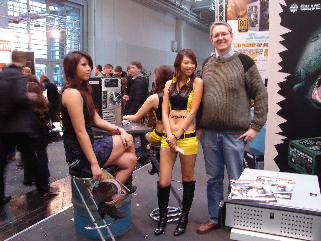 Asian babe booth-6922