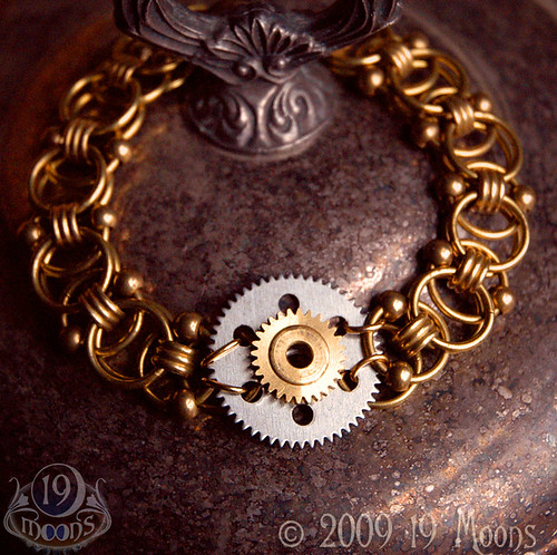 PLANETARY GEAR Vintage Steampunk Bracelet by 19 Moons Clock Gear Handmade Bead Chain