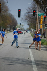 The bar scramble (Johnny Heger) Tags: college campus illinois spring universityofillinois urbana champaign uofi chipsi
