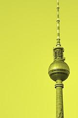 (Davi_dB) Tags: sun berlin alex monochrome yellow reflex gelb ddr turm fernsehen deutschetelekom invitedby