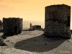 Le due Torri... (Paul Fenis) Tags: italien sea italy castle castles church architecture europe italia torre fuji arte liguria churches iglesia medieval belltower chiesa campanile explore sp finepix iglesias chateau sanpietro portovenere castello middleages borgo medievale castillo italie churchs chateaux castelli ue torri castillos medioevo middleage centrostorico laspezia antichit belltowers campanili chiese borgomedievale s5600 apennino marligure italiamedievale unioneeuropea piazzeitaliane anticando castellodiportovenere picasa3