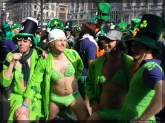 St. Patrick 17.03.09 (SoniaenDublin2009) Tags: costumes dublin disfraces 2009 irlanda treboles sanpatrick stpatrickstpatrick stpatrick2009 irelandstpatrick