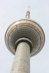 Fernsehturm Alexanderplatz (Joël Cox) Tags: berlin tower tv alexanderplatz fernsehturm mast signal deutschetelekom invitedby