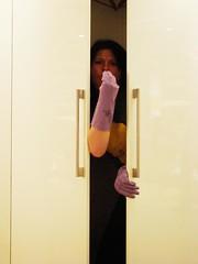 cambio di stagione (Stella di Casa) Tags: divertenti armadio cambiodistagione casalingadisperata guantiviola nonperiodo stelladicasa casalingaesaurita casalingaincazzata