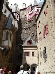 Burg Eltz (59) (O de Andrade (MoScha)) Tags: castle europa europe burgeltz fortaleza reno rhine rhein burg koblenz mosel rheinlandpfalz moselle festung eltz ehrenbreitstein rhinelandpalatinate musel renania mosela palatinado