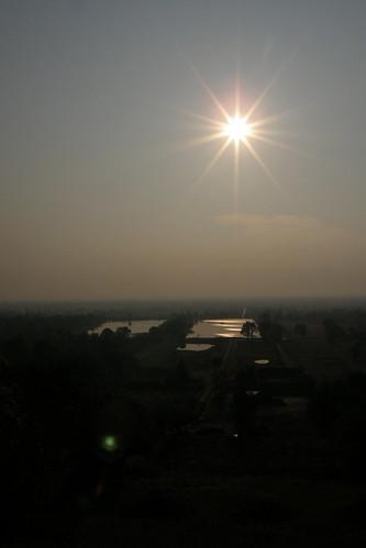022.清晨的陽光照耀在Champasak平原 (2)