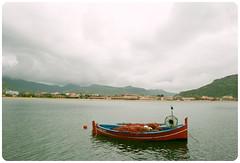 Sardegna (YYNTL) Tags: sardegna italien italy haven water boat aqua barca italia sardinia harbour fishingboat bosa italie sardinien dorp temo italiano vissersboot sardinie visserbootje bosamarina barcadapesca fiskersboat