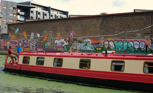 Graffiti Art - Hertford Union Canal & River Lee Navigation - Tower Hamlets