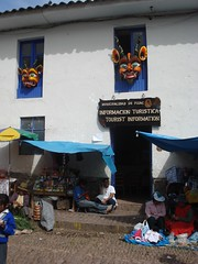 Información Turística / Tourist Information (Miguel Vera) Tags: peru cuzco design market cusco horns mercado masks diseño cuernos pisac demons pisaq demonios mascaras qosqo