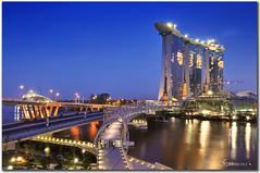 Singapore marina bay sands (fiftymm99) Tags: bridge sea architecture river hotel nikon singapore casino helix doublehelix ecp singaporeriver hotelsingapore helixbridge thehelix marinabaysands nikond300 doublehelixbridge marinabaysandsresort resortworld fiftymm99 fifitymm marinabaysandssingapore ecphighway benjamnshearsbridge thedoublehelixbridge mbdaopeningofhelix2010