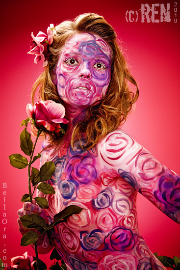 flower and hot body painting photo