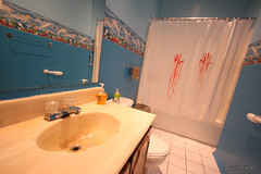 Sick curtain! (-AX-) Tags: canada shower blood montréal curtain québec murder sang qc douche rideau verdun meurtre sanglant
