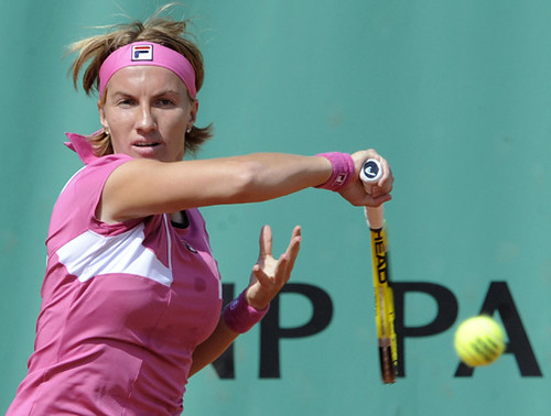 Svetlana Kuznetsova playing at the French Open