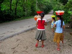 Aqua Azul 019 - These children never go to school (Ben Beiske) Tags: mexico chiapas mexiko aquaazul