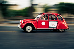 #11 in Paris (Marc Benslahdine) Tags: paris car citroen voiture route 2cv panning lightroom filé traitement canonef50mmf18ii dedeuche marcopix canoneos5dmkii tripax ©marcbenslahdine marcopixcom