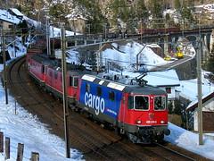 SLMNr 5173 : SBB Lokomotive Re 4/4 II 11310 bzw. Re 420 310 - 5 + Re 4/4 + Re 6/6 und Meienreussbrcke bei Wassen , Kanton Uri , Schweiz (chrchr_75) Tags: bridge train de tren schweiz switzerland suisse swiss eisenbahn railway zug sbb 420 cargo 66 pont locomotive re christoph svizzera brcke chemin 44 centralstation uri fer locomotora tog ffs juna bundesbahn lokomotive lok 620 ferrovia mittlere spoorweg gotthard suissa locomotiva lokomotiv ferroviaria cff  wassen re66 locomotief kanton chrigu  rautatie  11310 schweizerische zoug trainen  gotthardbahn chrchr hurni nordrampe meienreussbrcke chrchr75 bundesbahnen meienreuss chriguhurni re620 albumsbbre66lokomotive re4411310 albumsbbre44iiiii