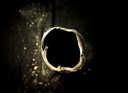 The Hole / El Agujero