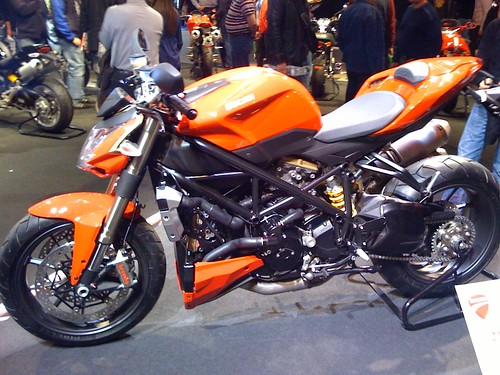 2009 Ducati Street Fighter Picture