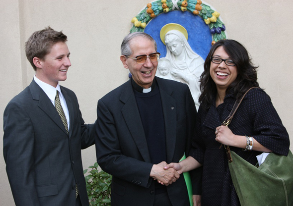 Father General visits USF campus