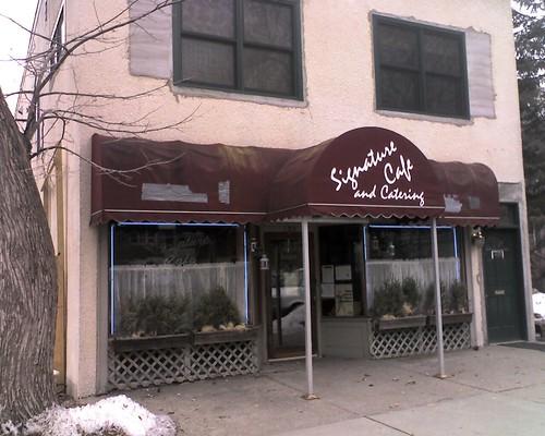 Signature Cafe in Prospect Park, Minneapolis, MN