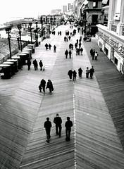 0228091329b_0001.jpg (Nivad) Tags: ocean bw newjersey weekend nj pedestrian front atlanticcity boardwalk haha ac jerseyshore guido pf cellphonecamera mobileupload notfilm lgdare lgvx9700