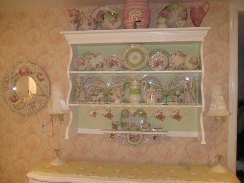 Wall shelf with pretty china, via Flickr: mylulabelles