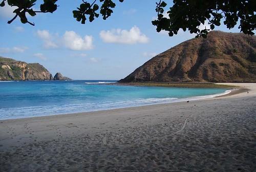 MAWUN BEACH-LOMBOK