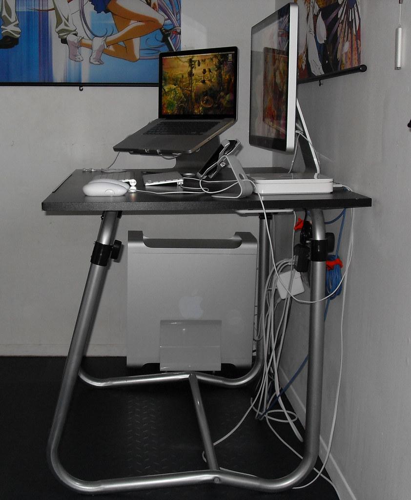 2009 Apple Workstation (Side)