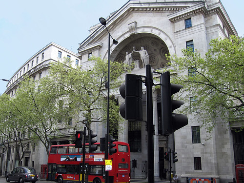 "London 022 • <a style=""font-size:0.8em;"" href=""http://www.flickr.com/photos/30735181@N00/3516551737/"" target=""_blank"">View on Flickr</a>"