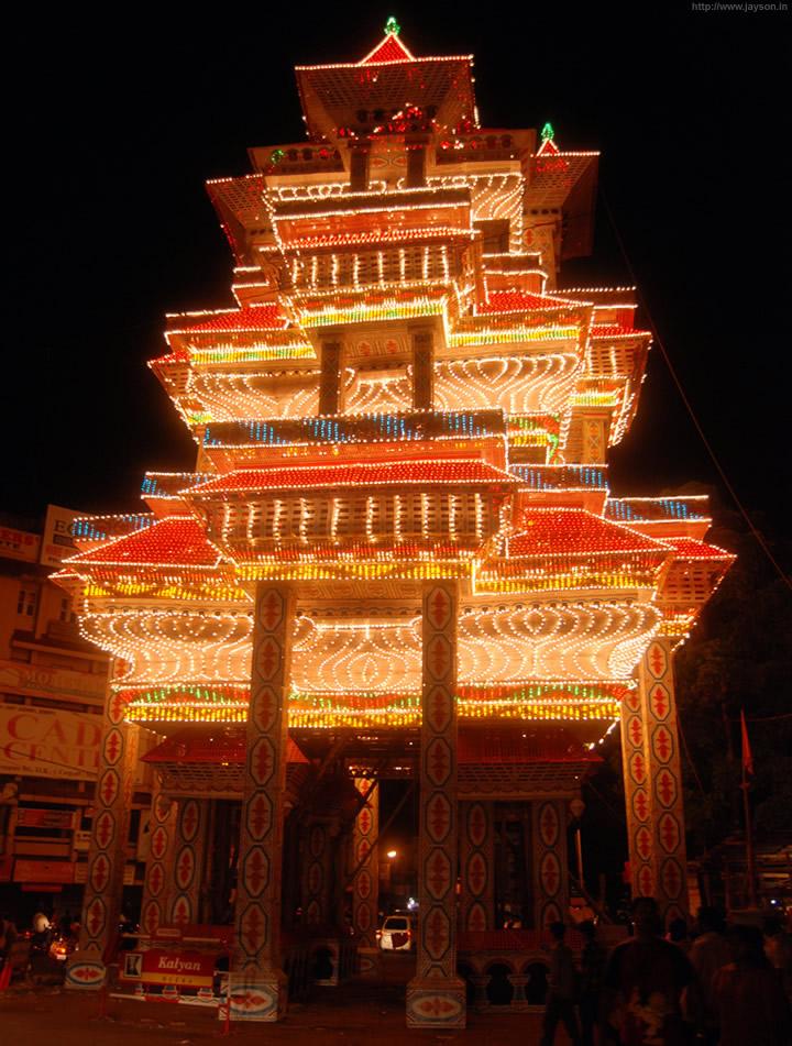 thrissur pooram - Pandal at Manikandanal