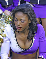 BALTIMORE RAVEN CHEERLEADER (nflravens) Tags: md nfl maryland baltimore hunter cheerleader americanfootball nflfootball baltimoremaryland baltimoreravens prosports nflcheerleader profootball nflravens shoreshotphotography baltimorefootball ravenfootball baltimoreravenfootball