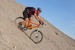 (eyebex) Tags: orange sports sport cycling sand cyclist action marin extreme downhill deleted10 oxygen yukon fox activity mountainbiking 010 steep frontsuspension rearsuspension 5d2 arrogantbastardjersey