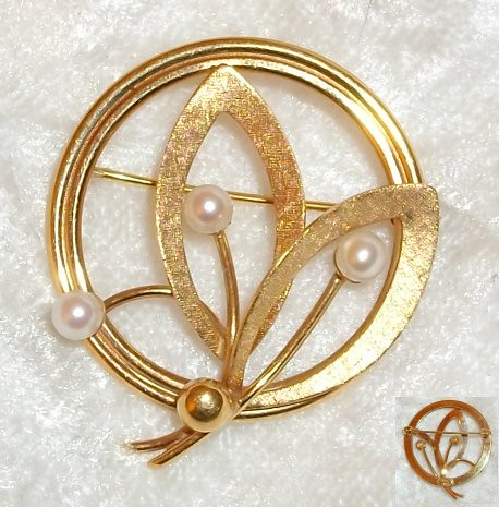 14k Solid Gold Carl Art Leaf and 3 Pearls Brooch