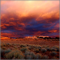 Take Refuge in Beauty (suenosdeuomi) Tags: sunset santafe square framed cropped dogpark vignette myhaven bsquare myparadise suenosdeuomi ourformerdump picnikfilebxqbyd myplaceofsolace myimagehuntinggrounds mysourceofentertainment itfeltlikewalkinginsideapainting nowourdogpark withglorioussunsetsandmoonrises exploredidyouknow