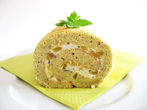 Peach&Passion Fruit Infusion Swiss Roll with Pineapple&Mint